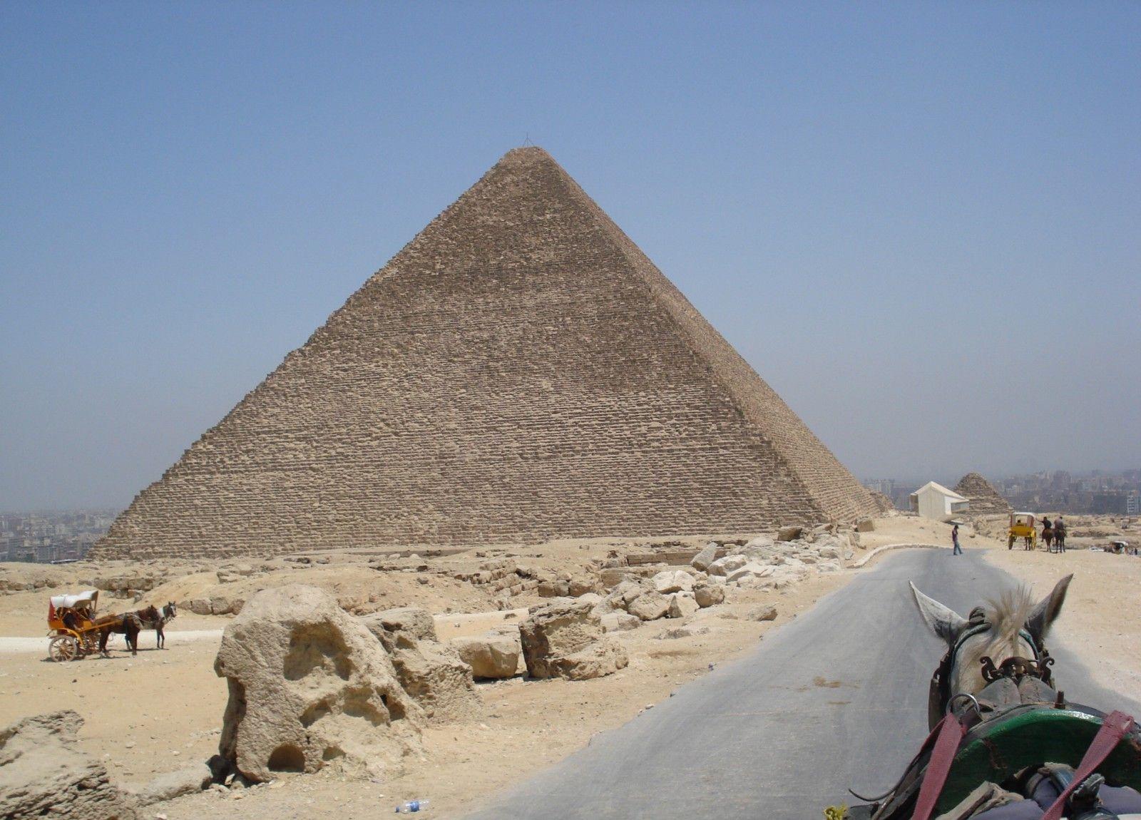Stein Pyramide