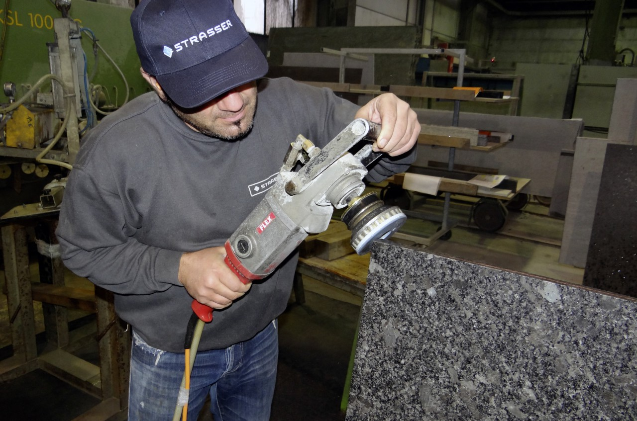 Steinbearbeitung, Strasser Steine