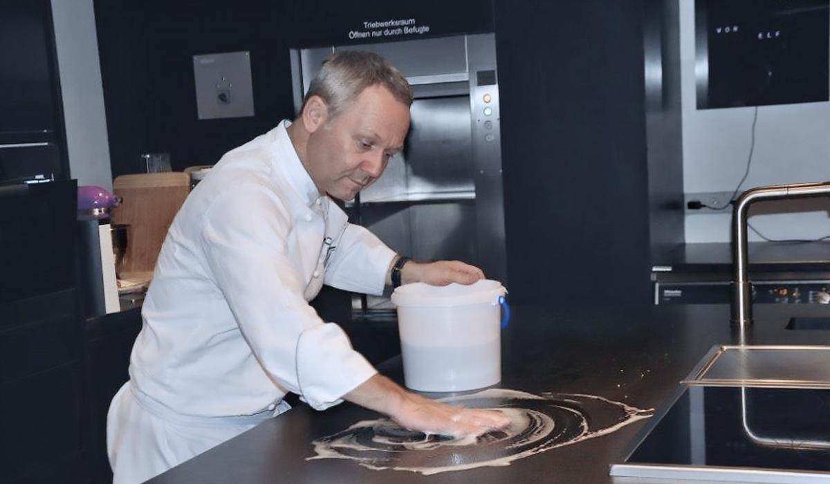 Reinigen der Küchenarbeitsplatte geht ganz einfach