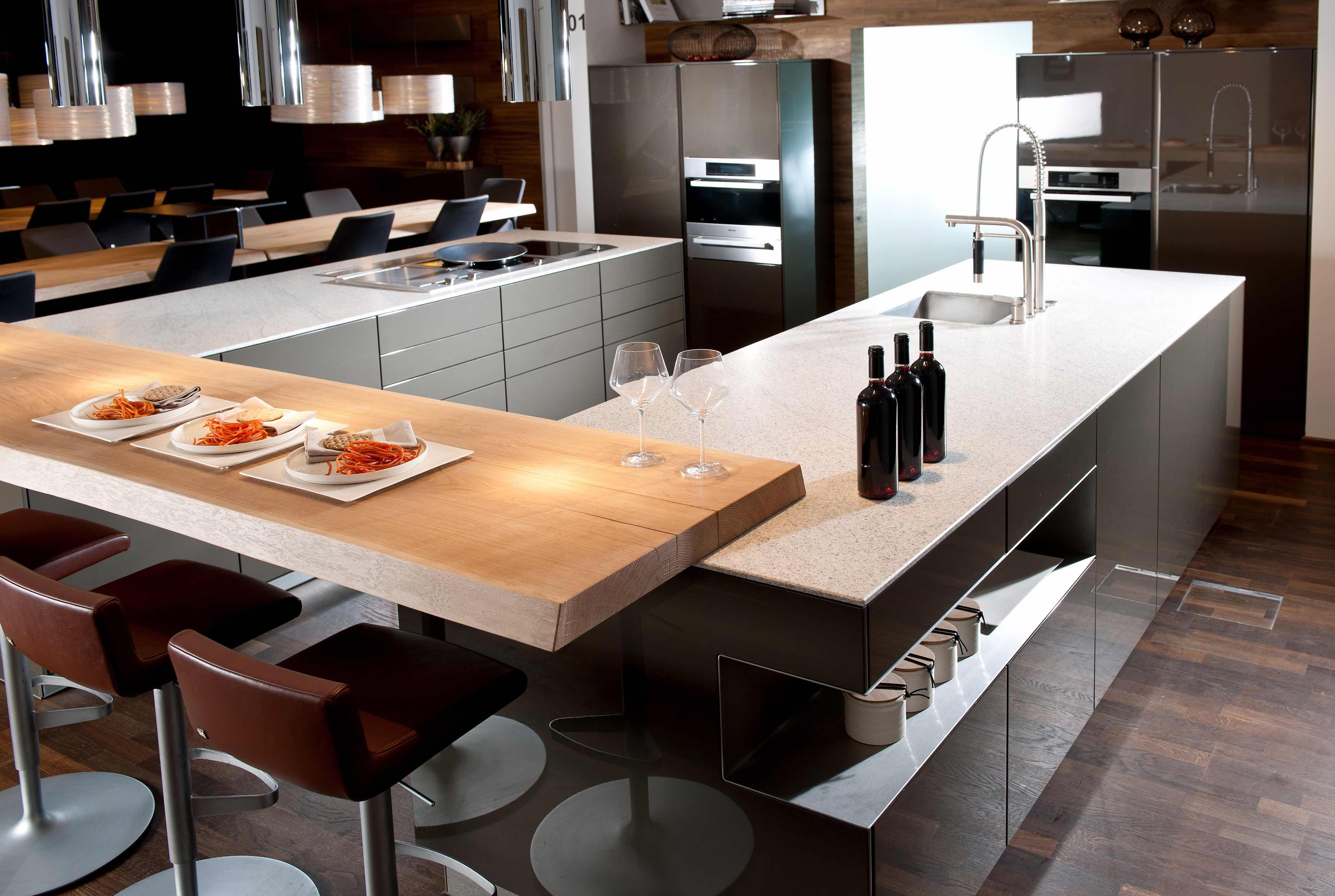 Küchenfronten: Hochglanz vs. matt | Strasser Steine