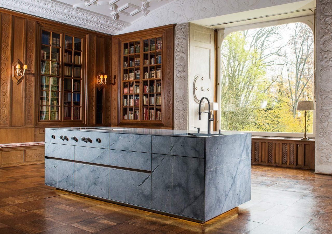 High-End-Kücheninsel in neuer XL-Dimension | Strasser Steine