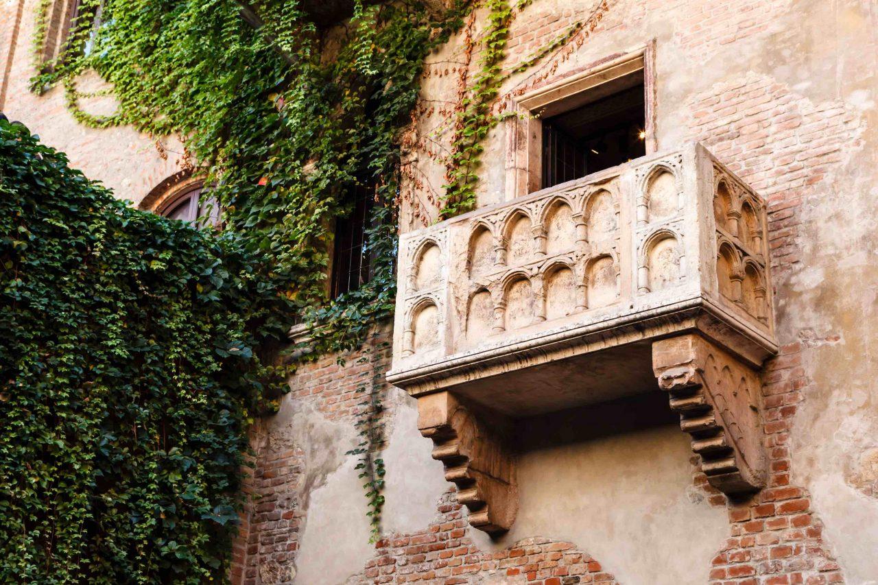 Der berühmte Balkon von Julia Capulet in Verona.