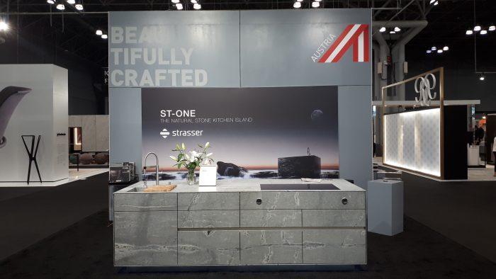 ST-ONE Kücheninsel von STRASSER Steine auf der ICFF 2019 in New York.