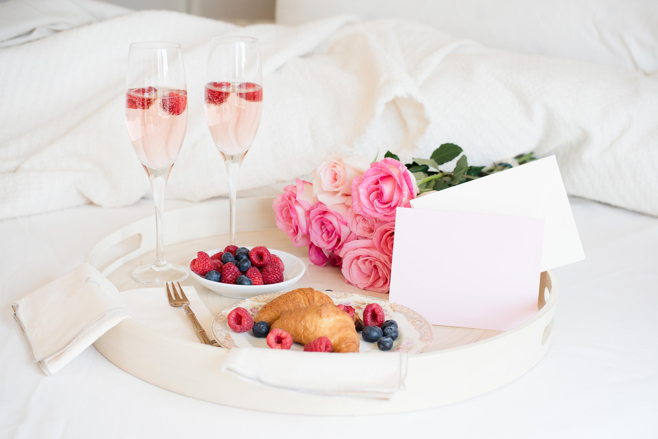 Valentinstag Frühstück im Bett