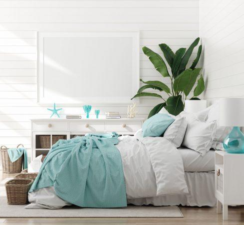 Zimmer mit Bett im maritimen Stil