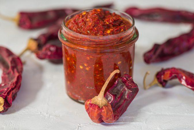 Arabische Harissa Sauce mit roten Chilischoten