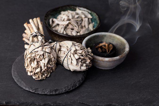 Weißer Salbei und Weihrauch zum räuchern