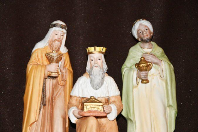 Keramikfiguren der drei Heiligen Könige